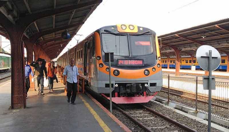 Pemerintah Lakukan Switch Over  KRL Jakarta - Bogor