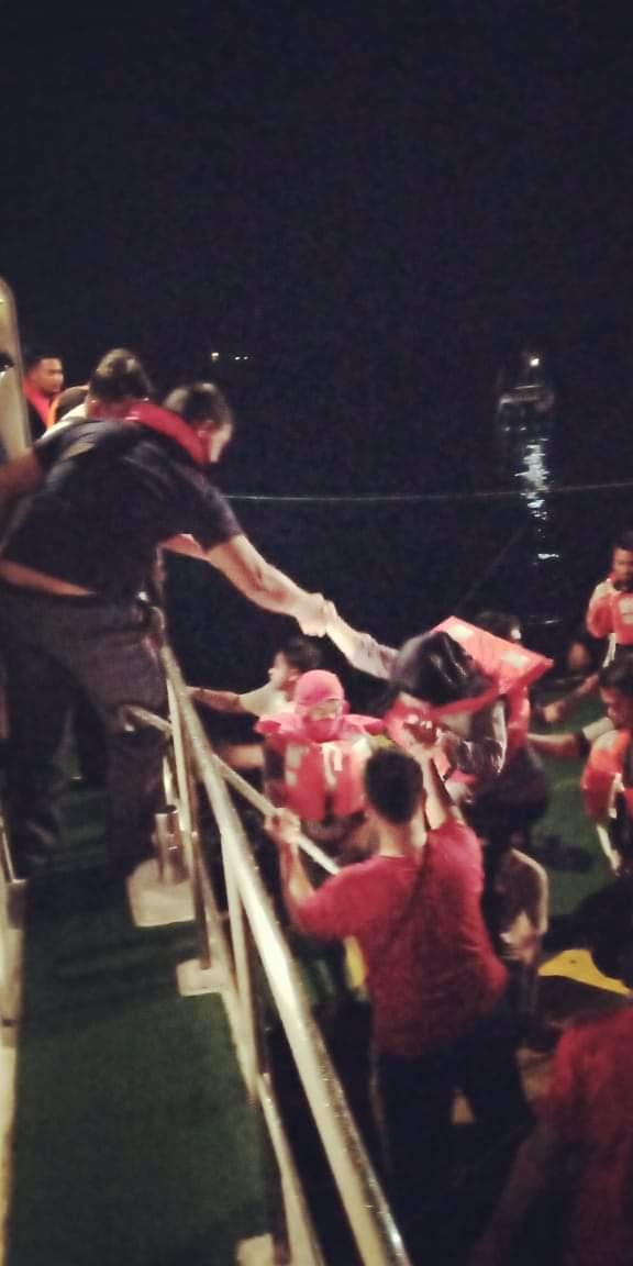 Kapal Ro-Ro Kandas,   KSOP Ternate Evakuasi Seluruh Penumpang dan ABK
