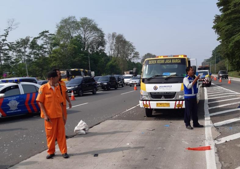 Laka Mobil APV di Tol Jagorawi, Begini Respon di Lapangan