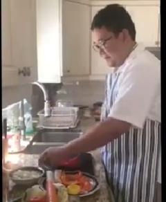 Kala Athub RI Afen Sena Ikuti  Lomba Instans Noodle Decoration Competetion di Montreal