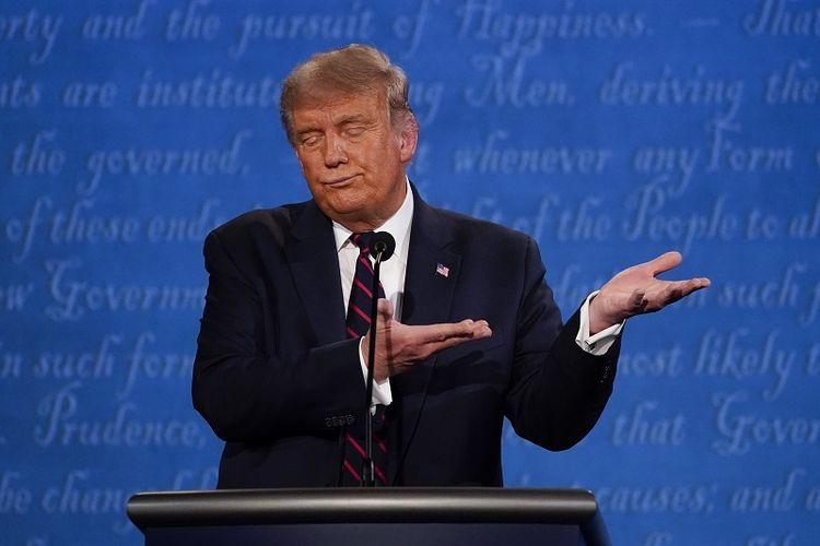 Terpapar Covid,  Donald  Trump  Dipindahkan ke Pusat Medis Militer