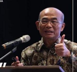 Besar,  Potensi Zakat Untuk Pengentasan Kemiskinan di Indonesia
